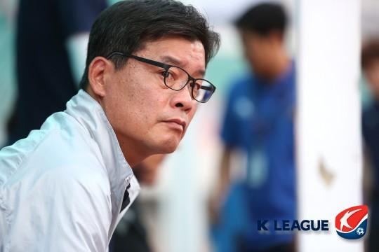 """[K리그 미디어데이] FC 안양 이우형 감독 """"다음 경기에서 설사 커 전술"""""""